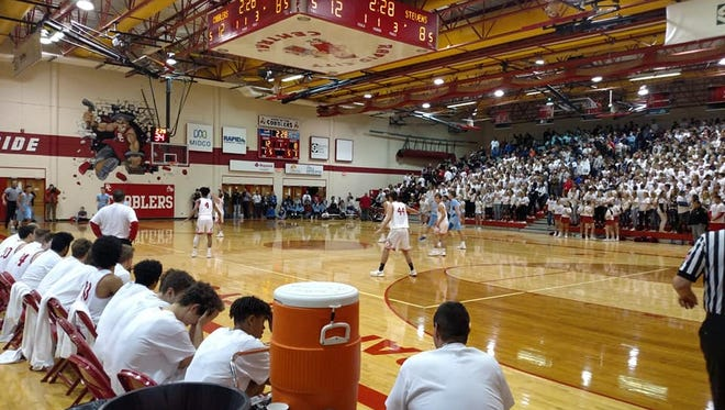No. 3 Rapid City Central took down crosstown rival No. 1 Rapid City Stevens on Thursday night.