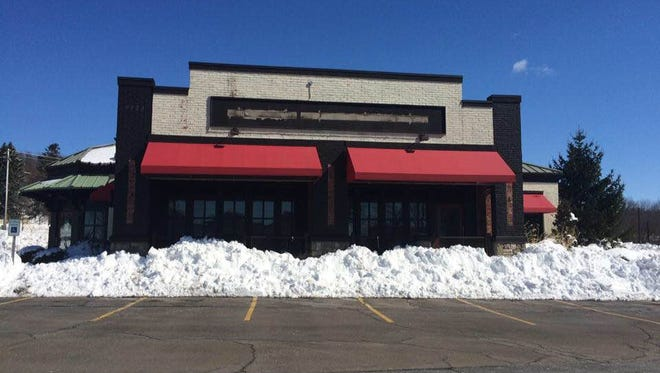 All the signage has been stripped off the just-closed Uno Pizzeria and Grill location across from Eastview Mall in Victor.