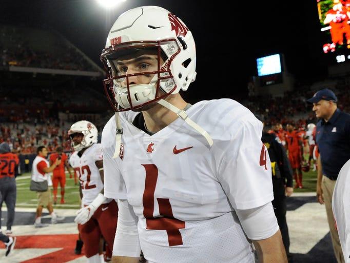 Washington State Cougars quarterback Luke Falk (4)