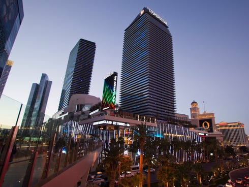 The Cosmopolitan Las Vegas is centrally located on the Strip between Bellagio, Paris, Planet Hollywood and Vdara. Take the photo tour to see what's offered at the trendy, modern casino resort.