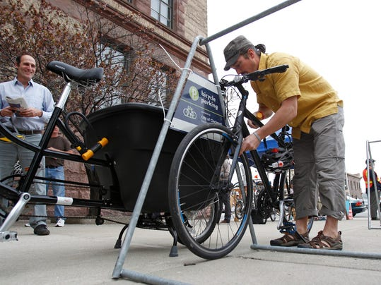 -CINCpt_04-22-2014_Enquirer_2_A005~~2014~04~21~IMG_Bike_Lanes_3.JPG_1_1_2G74.jpg