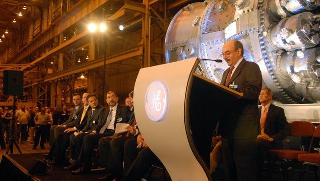 Ali Albarrak, CEO of Saudi Electricity Company, was special guest at GE's Greenville turbine factory to celebrate the 1,000th F class turbine in the summer of 2007.
