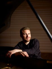 ADAM GOLKA pianist