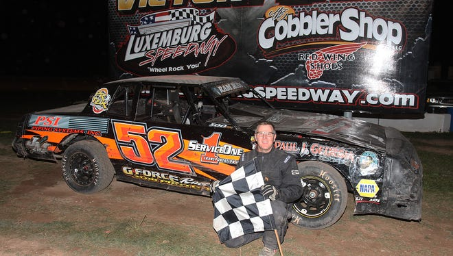Brussels' Troy Muench has decided to call it quits after 25 seasons of racing on local dirt tracks.
