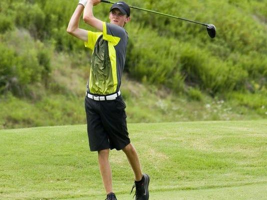 MUR SPORTS owens golf 0710.jpg