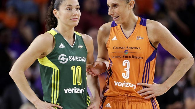 Phoenix Mercury guard Diana Taurasi (3) talks with Seattle Storm guard Sue Bird in the WNBA playoffs from Sept. 6, 2017.