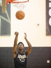 Vanderbilt freshman Aaron Nesmith shoots during summer