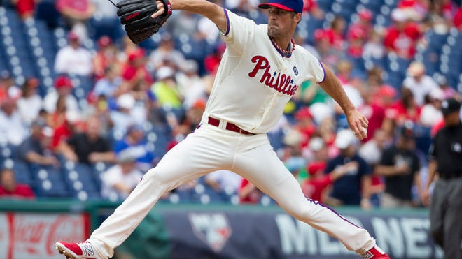 Philadelphia starting pitcher Cole Hamels throws to the plate during the first inning of the Phillies' 2-1 win over the San Francisco Giants on Thursday.