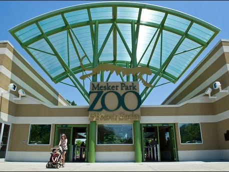 Visitors bureau recommends k for zoo s new aviary
