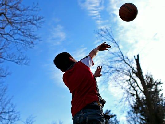 Hernandez_Basketball_feature_0035.jpg