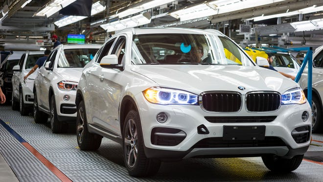 The BMW X6 in production at BMW Manufacturing Company Plant Spartanburg on 9/2414.  File: 092314GR34