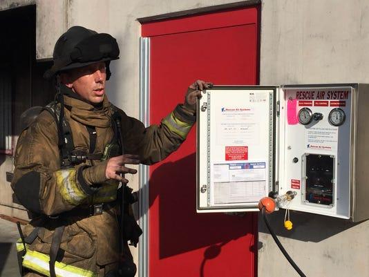 635537708838560263-firefighter