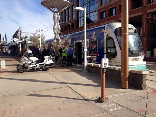 Light Rail stopped at 2nd street and Washington