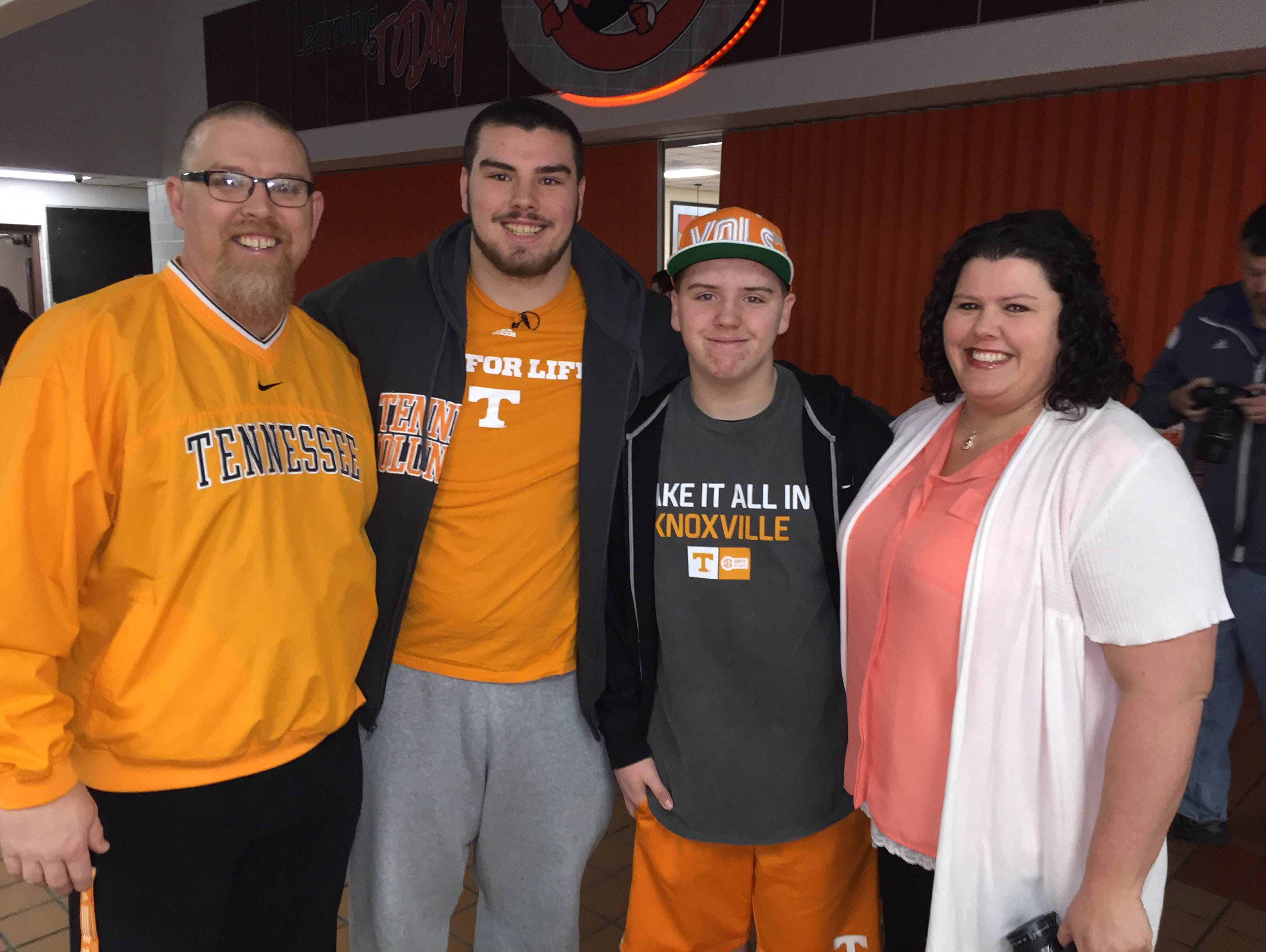 Coalfield's Zach Stewart signed with the Vols early on National Signing Day