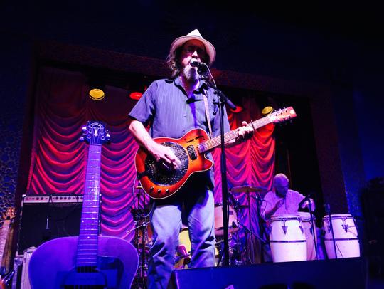 Legendary singer-songwriter James McMurtry performed