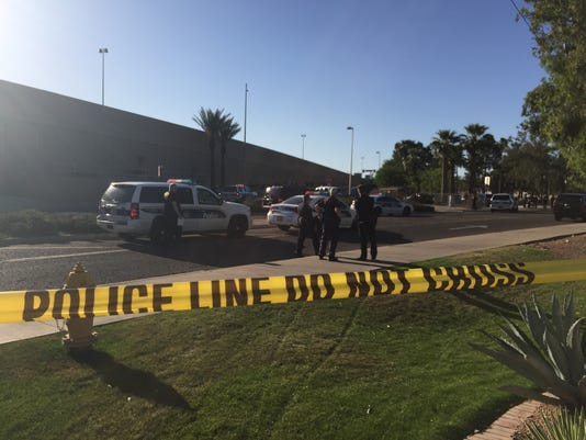 Phoenix police officer injured