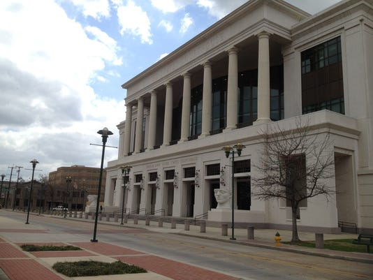 635666208114634978-federal-courthouse-5338