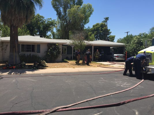 Fire fighters respond to Scottsdale fire