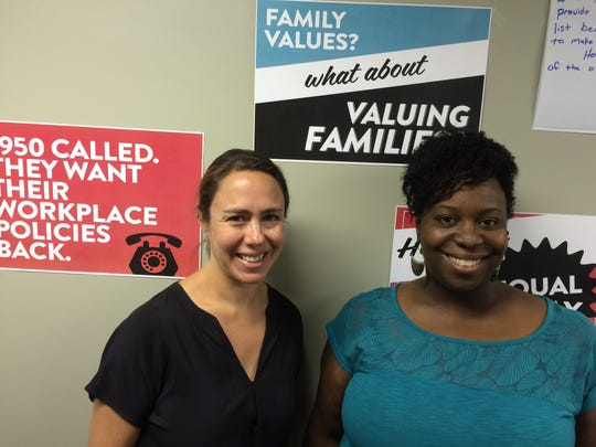 National leaders of the Make It Work Campaign, Vivien Labaton left, and Tracy Sturdivant hold a training session for volunteers in Des Moines.