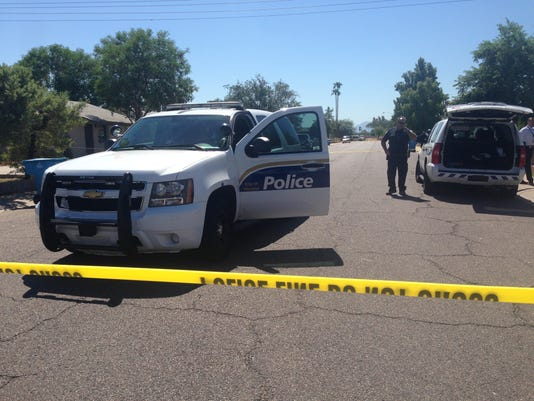 One dead after stabbing altercation near 65th Ave and Cheery Lynn Rd in Phoenix