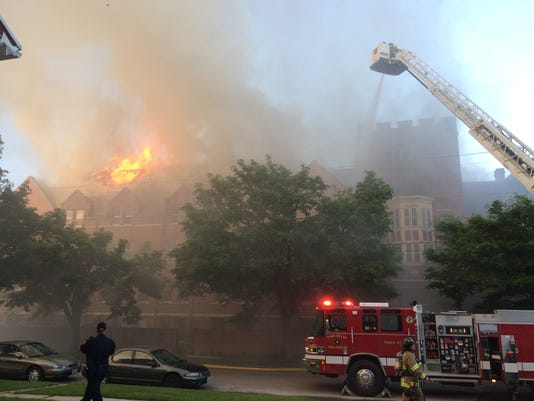 635787971468950439-convent-fire
