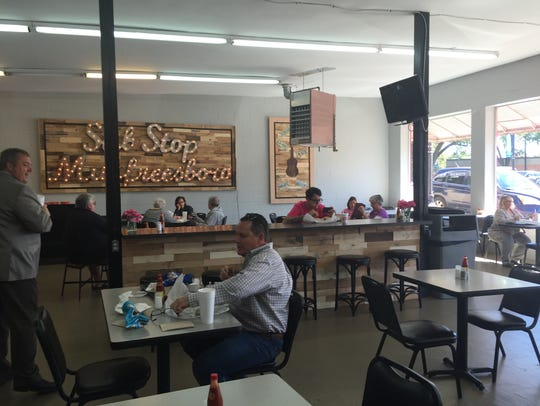 Sub Stop Murfreesboro offers plenty of space for dining
