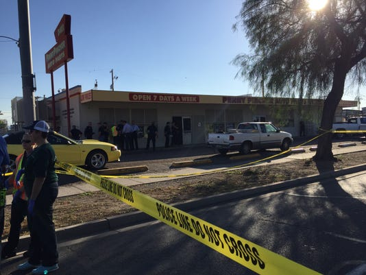 Penny Pincher Auto Parts >> Phoenix Police Suspect Shot Killed After Attempted Armed Robbery