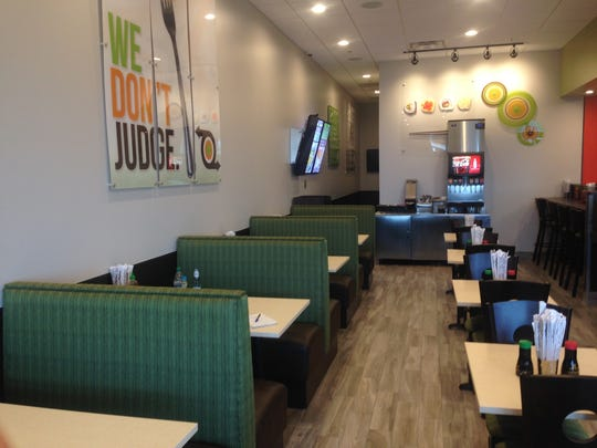 New to University Plaza at Gulf Coast Town Center is How Do You Roll, a fast-casual sushi restaurant.