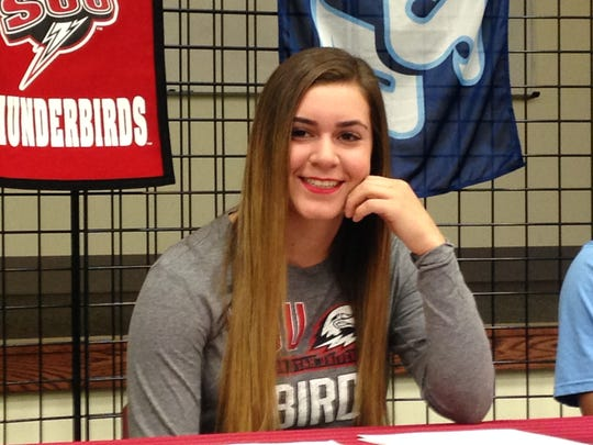 Hannah Williams signs her National Letter of Intent to play softball at Southern Utah University.