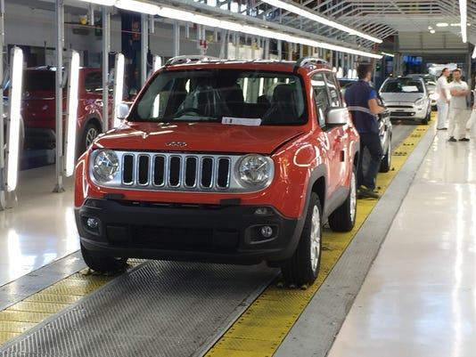 Jeep-Renegade-at-Melfi-plant.JPG