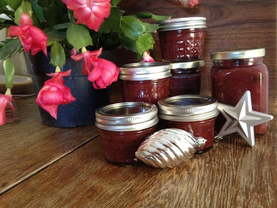 Jars of homemade chutney with Vermont cranberries make great stocking stuffers for localvore friends at Christmas.