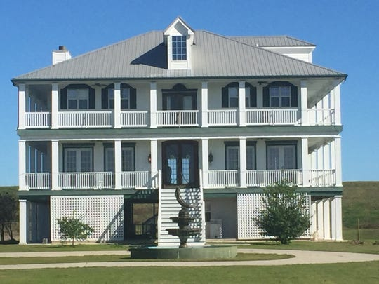 Saltgrass Lodge sits on the edge of the Mississippi River.