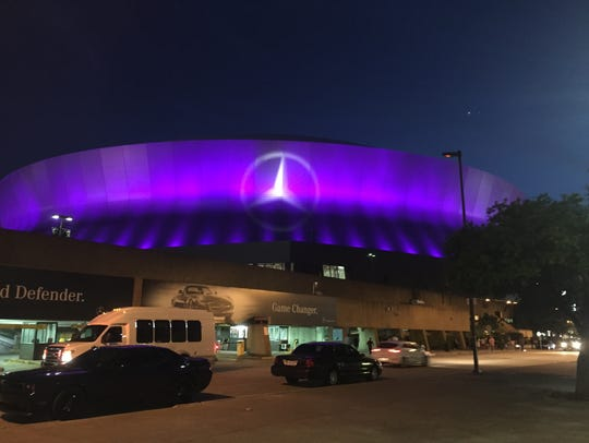 The outside of the Mercedes-Benz Superdome during the