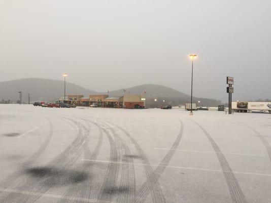 635889079988756747-snow.jpg