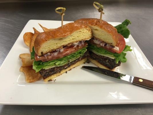 635895761760062378-burger.jpeg