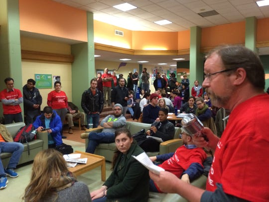 About 100 Raritan Valley Community College students and teachers attended a rally Tuesday afternoon calling for progress in new contract talks between the faculty and the college.