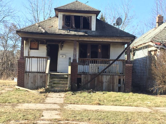 House on Lakeview Street near Forest Avenue in Detroit where the body of a woman and a child were found after an arson fire on Feb. 20, 2016.