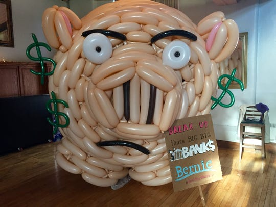 Balloon artists Airigami created this piggy bank for