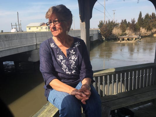 635932248063714510-Fire-chief-s-mom-helps-save-soaked-fishermen.jpg