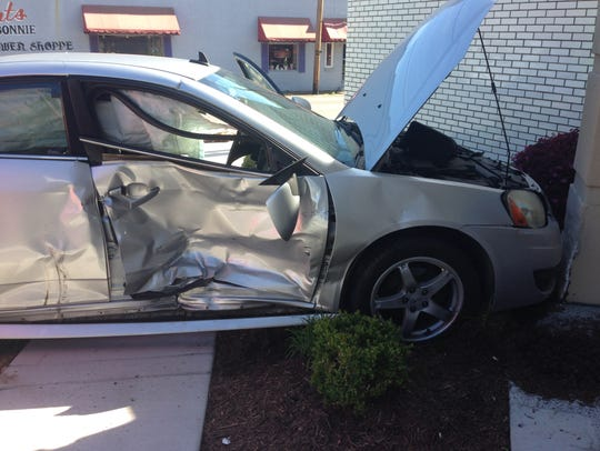 A deputy was injured in a wreck that caused one vehicle
