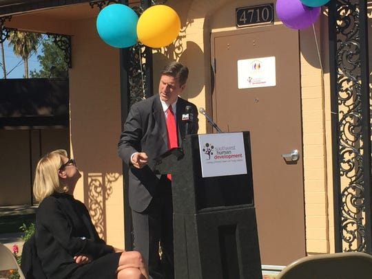 Phoenix Mayor Greg Stanton speaks with Southwest Human