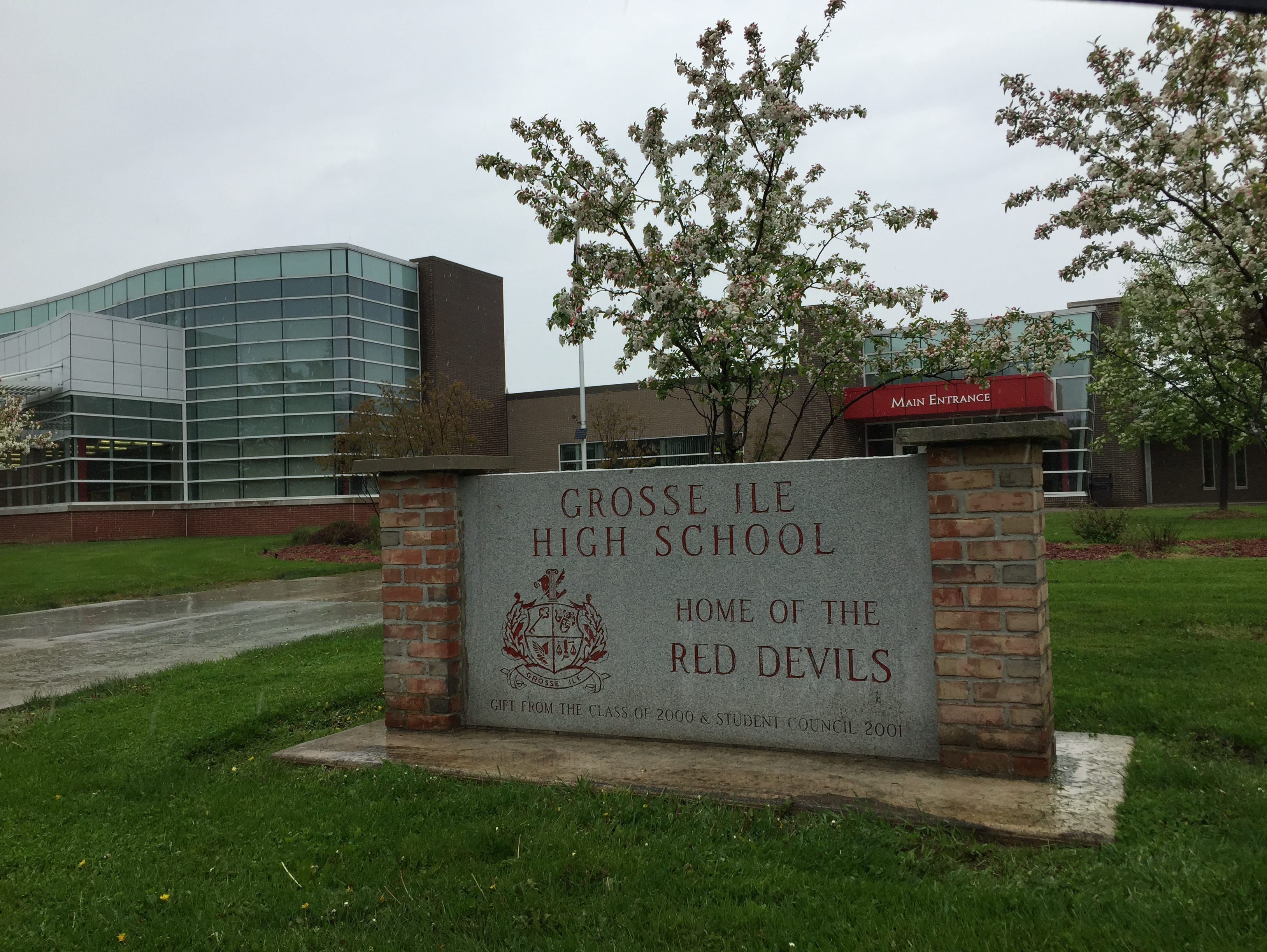 story sports grosse ile hs lacrosse team accused killing animal before game