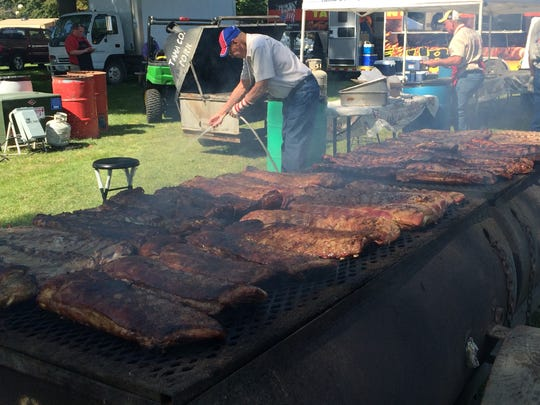 The Tama County Pork Producers plan to feed up to 12,000 visitors to the World Pork Expo, being held over three days at the Iowa State Fairgrounds in Des Moines.