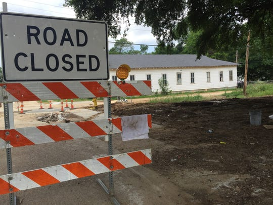 Sewer repair work taking place along Looney Street