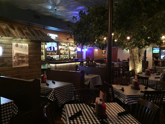 Noble Oak Restaurant in Cedar Falls features smokehouse barbecue dishes, steaks and seafood.