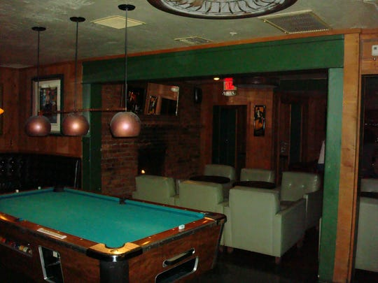 Shady's has all the qualities of a good neighborhood bar: great cocktails, awesome jukebox, pool table and laid-back atmosphere.