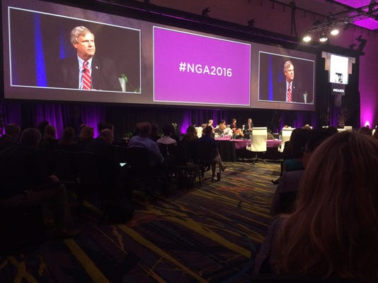 636042757057505366-governors-convention2.JPG