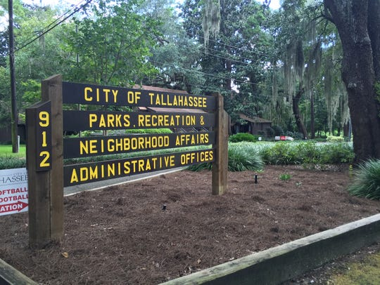 Myers Park and Woodland neighbors oppose development