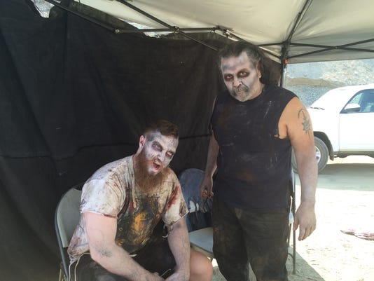 Zombie-Movie-extras.JPG