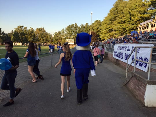 Staunton's homecoming brought out the crowds, despite